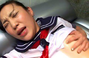 Young-Schoolgirl-Geisha-Seduces