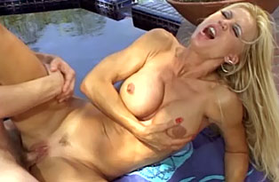 Blonde-Girl-Rubs-Her-Pussy-Clean