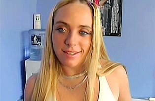 Vanessa-Putting-Porn-Talents-on-Display
